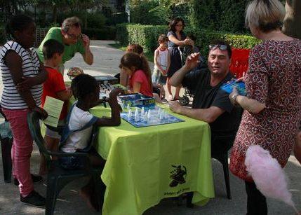 Petits et grands se retrouvent autour de la table