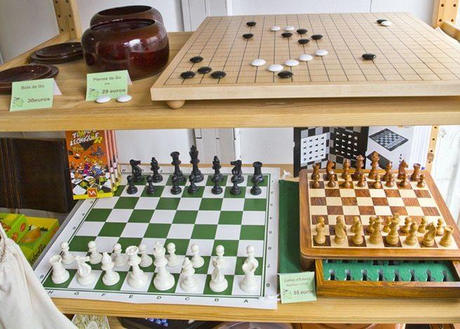Les échecs sont une spécialité de la boutique